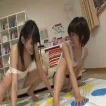 【ロリ レイプ動画】JC少女のツイスターゲーム!負けた方は処女喪失な!