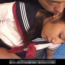 【無修正 レイプ動画】近親相姦強姦!嫌がるJK娘に襲い掛かる鬼畜お父さんが怖すぎる・・