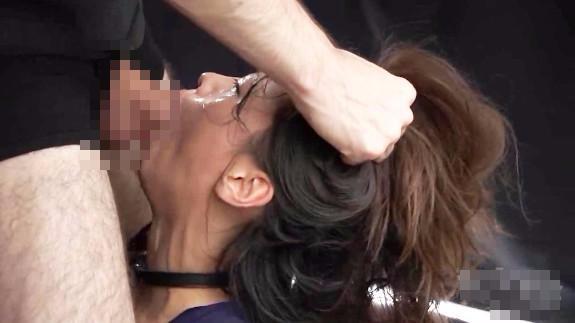 【無修正】JKに窒息地獄のイラマチオ!喉咽ガン突きレイプで失神する少女・・・ レイプ動画