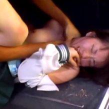【ガチレイプ動画】閲覧注意!車内で暴力的に挿入され痛みと恐怖で悲鳴を上げる女子校生がリアル過ぎ・・・※無修正