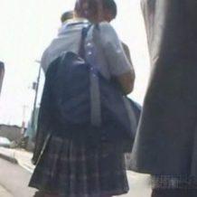 【JK レイプ動画】バスを待つ女子校生に淫らな行為をし着くころには変わり果てた姿に・・・