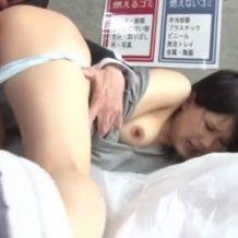 【人妻レイプ動画】美人若妻の胸チラ見てムラムラが止まらない!エロいカラダを強姦!