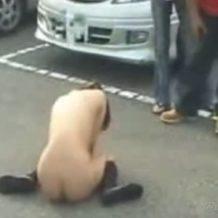 【JK レイプ動画】バスに乗った女子校生を輪姦した後は裸のまま強制下車させる放置プレイ!