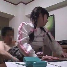 【ロリレイプ動画】鬼畜家庭教師がJSの幼い教え子を調教レイプし処女膜崩壊させる