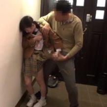【JCレイプ動画】家で留守番してると男性が侵入して来て強姦される可愛いロリ少女...