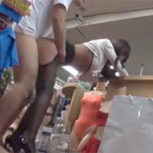 【リアルレイプ動画】新人のセクシーアイドルが売り込みに行った店の店員に生でハメられる