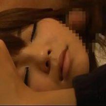 【泥酔レイプ動画】飲みすぎてしまった美人OLがホテルに連れ込まれ眠ったままベッドで犯される!