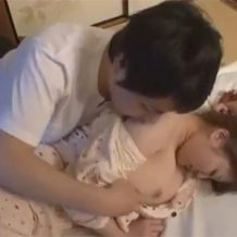 【レイプ動画】エロいカラダにムラムラ・・・寝ているむっちりしたお姉さんを強姦する弟が変態すぎる・・・