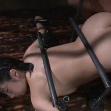 【SMレイプ動画】入れ墨男の肉奴隷に堕ちた美女!四肢の自由を奪われ無限中出し強姦…