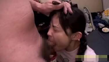 【JS ロリ】「嫌ぁぁぁ…」小学生みたいな少女を自宅に監禁して性奴隷調教するサイコ野郎・・・ レイプ動画