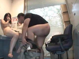 【脅迫】すっげえ嫌そうな女の子を強姦するド鬼畜系おっさんの個人撮影映像!