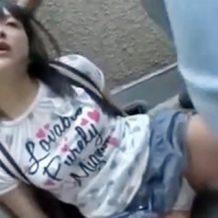 【ロリレイプ動画】性犯罪!まだ小○生の幼い少女をイマラチオで意識飛ばしてガン突きピストンで痙攣に追い込む鬼畜映像