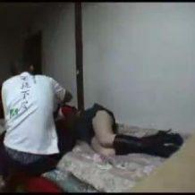 【本物レイプ動画】キモオタ「おっ女が酔いつぶれてるやん、お持ち帰りして犯したろ」