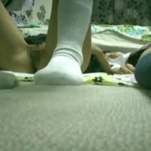 【ロリレイプ動画】制服姿の家出少女を騙し睡眠薬飲まして強姦!しかも2人同時!