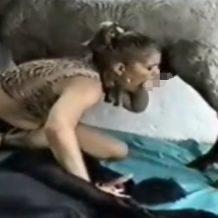 【無修正 獣姦動画】異次元のアニマルセックス!馬と犬のペニスを舐めまわし3Pファック!