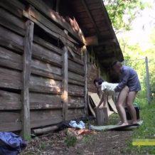 【JSレイプ動画】鬼畜の所業!パイパンの小学生に見える少女を山中に拉致って強姦・・・