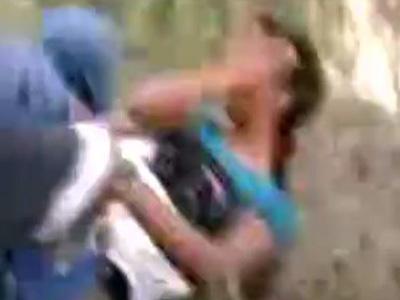 野外で素人女性をガチレイプした個人撮影映像!