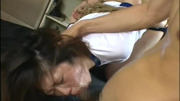 【JCレイプ動画】体操服姿の中〇生少女を緊縛凌辱!汚いチンポ2本で串刺し輪姦・・・