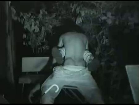 【無修正レイプ動画】ガチ強姦映像流出!深夜の公園で糞ガキ2人輪姦されていくギャル・・・