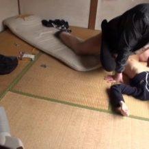 【ロリレイプ動画】制服姿の女子校生を自宅に無理やり連れ込んで無毛マンコ陵辱する鬼畜強姦魔…