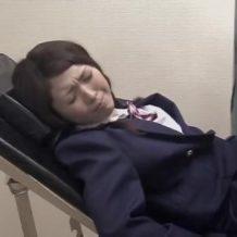 【レイプ盗撮動画】子宮がん検診に来た女子校生を診察台の上で中出し強姦する鬼畜医師…