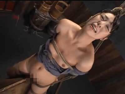 【SM動画】三角木馬に乗せられ痛みで泣き叫んでいく女 数々の拷問で凌辱されていく・・・
