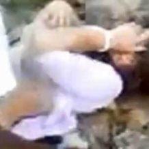 【本物レイプ】観光客を狙った卑劣な犯行 1人の女を若者が輪姦していく光景・・・ ※無修正