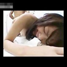 【無修正レイプ動画】腰痛の治療に来たOLを施療の流れで強姦する糞マッサージ師の犯行…