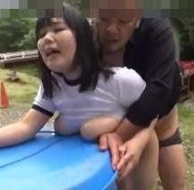部活で外を走っていた体操服姿の女の子が路地裏に連れ込まれて輪姦レイプ…