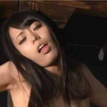 【sm動画】三角木馬に固定された女の悲鳴が響き渡る 何度絶頂しても終わらない快楽拷問・・・