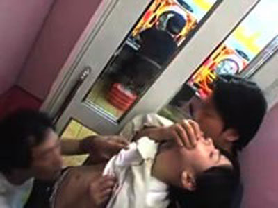 【本物レイプ】年齢規制されていない時代のパチンコ店で小◯生を強姦する事件発生...一部始終後悔