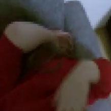 【ガチレイプ】半泣き状態で必死に抵抗するも無残にチンポをねじ込まれる女の子の映像が流出…