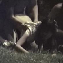 いや盗撮してないで警察呼ぼうよ…深夜の公園で集団野外レイプされている女の子がヤリ捨てされるまで