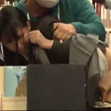 本屋で立ち読みしていた真面目そうなJKが男たちに襲われ輪姦レイプされて…