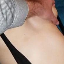【無修正レイプ】寝てしまったスレンダー女性のマンコを弄って無許可挿入