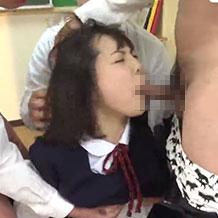 【無修正レイプ】教室で教師たちの性処理道具のようにしゃぶらされる女子高生