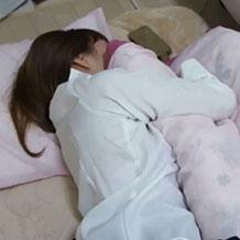 無防備に眠る女友達がいたら絶対犯すマンwww